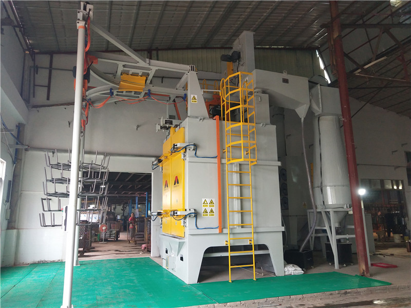 Mayflay Double Spinner Hook Hanger Shot Blasting Machine: MHB2-1717P11-3 Is Used For Fire Extinguisher Industry